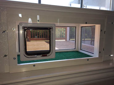 Ordinaire The Plexiglass Front And Cat Door Model Is Currently Only Available For Our  Large Kitty Peepers. Itu0027s An Ideal Solution For Folks Who Live In Colder ...